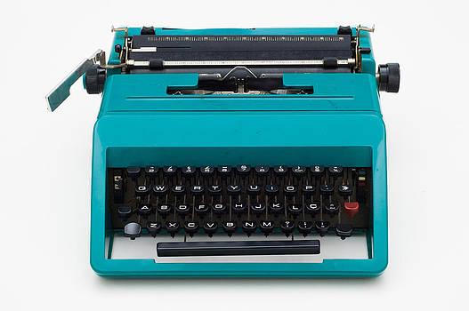 Vintage Typewritter by Flavio Coelho