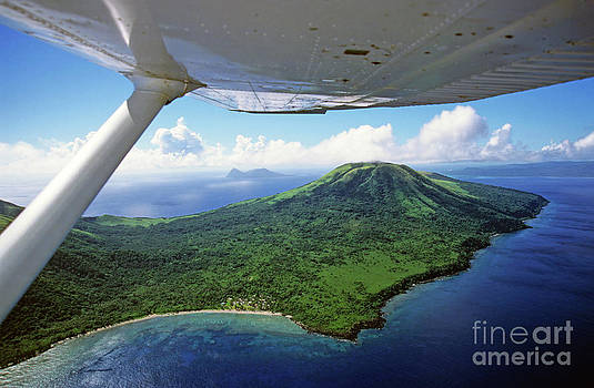 Sami Sarkis - Volcanoes seen from a plane on the island of Efate