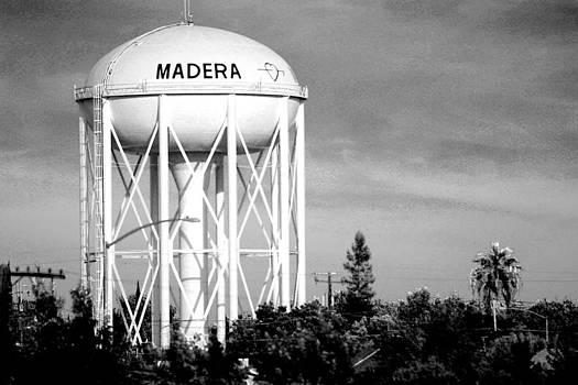Water Tower by Edgar  Mena