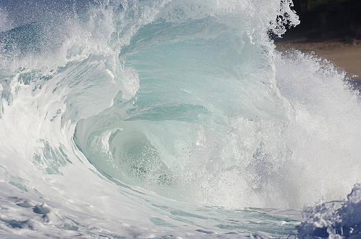 Wave Forming A Tube by Martin Ruegner