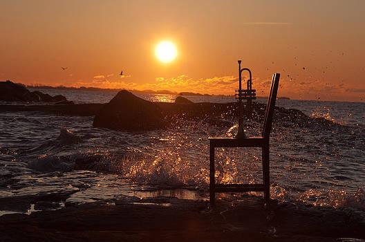 Wave Splash 1 by Ron Smith