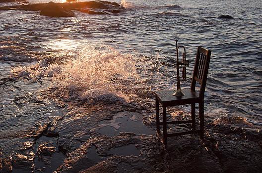 Wave Splash 2 by Ron Smith