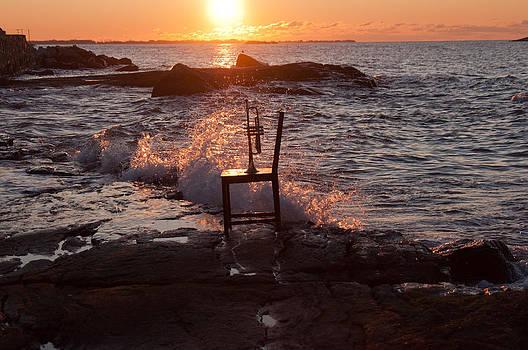 Wave Splash by Ron Smith