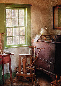 Mike Savad - Weaving - In the weavers cottage