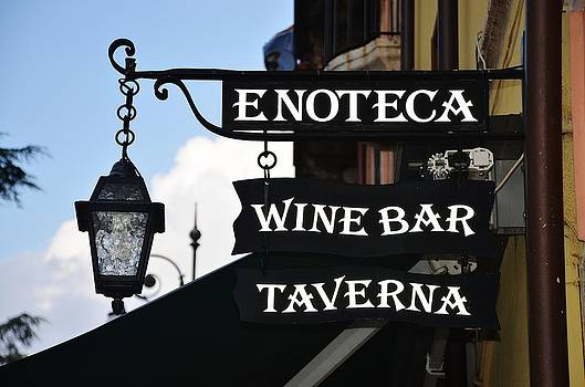Wine Bar taverna by Dany Lison
