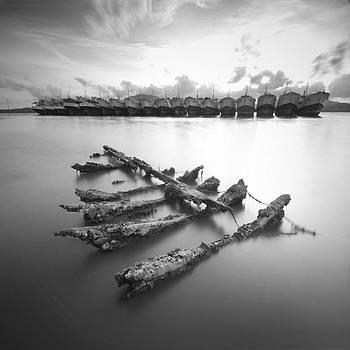 Wreck by Teerapat Pattanasoponpong