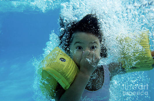 Sami Sarkis - Young Girl Diving In A Swimming Pool Underwater