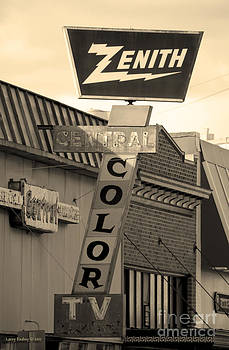 Zenith Sign by Larry Keahey
