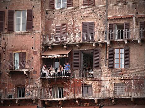 Balcony bar Siena by Jim Wright