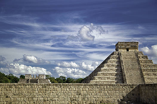 Chichen Itza, El Castillo Pyramid by Jason Moynihan