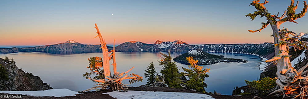 Crater Lake Panorama by Mike Ronnebeck