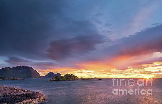 Dreamy sunset by Maciej Markiewicz