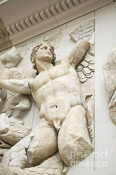 Gigantes  with Eros by Patricia Hofmeester