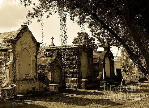 Greenwood Cemetery by Janice Spivey