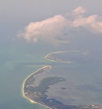 Honeymoon Island by Peter  McIntosh