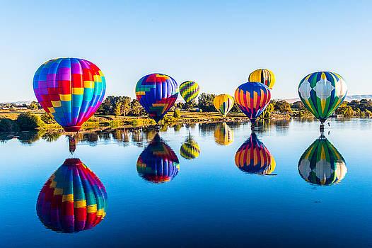 Hot Air Balloon  by Hisao Mogi