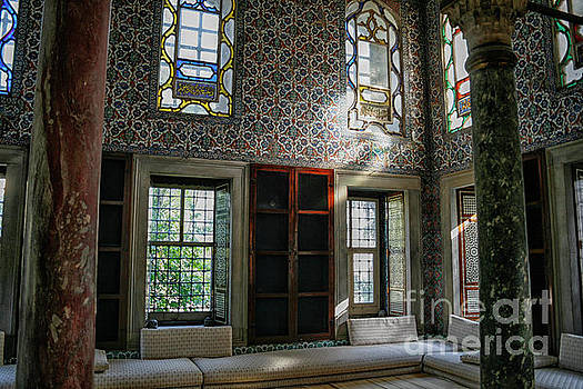 Patricia Hofmeester - Inside the harem of the Topkapi Palace
