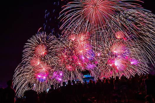 July 4th Fireworks by Hisao Mogi