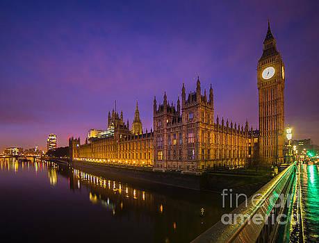 London by night  by Mariusz Czajkowski