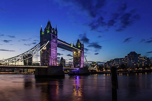 London England by Mariusz Czajkowski