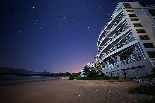 Moonlight Starlight by Bun Lee