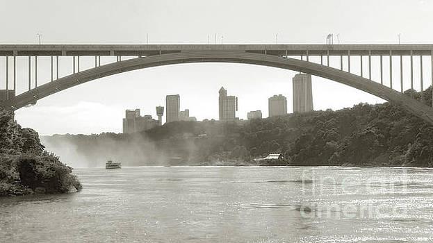 Niagara Bridge by Raymond Earley