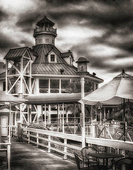 Parkers Lighthouse by Joseph Hollingsworth