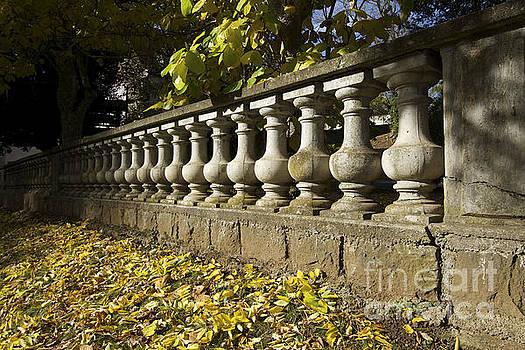 BERNARD JAUBERT - Past balustrade.