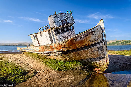 Pt Reyes by Mike Ronnebeck
