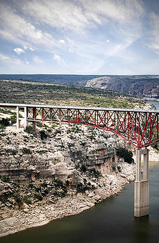 Judy Hall-Folde - Spanning the Rio Grande