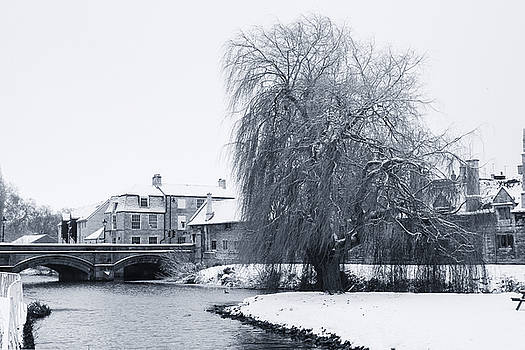 Stamford in the Snow by Ray Devlin