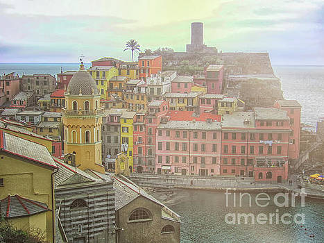 Vernazza by Patricia Hofmeester
