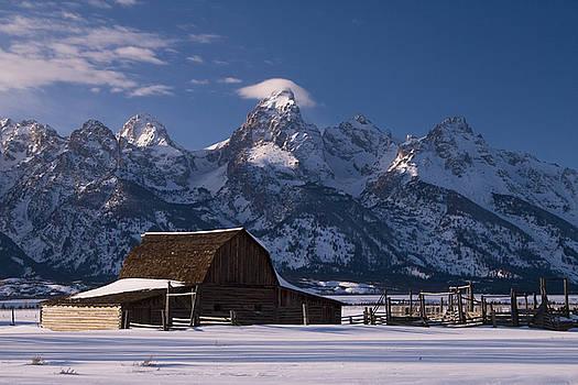 Winter Barn by Luca Diana