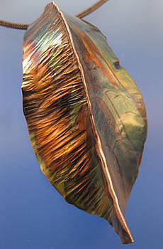 Dianne Brooks - 1334 Hammered Leaf