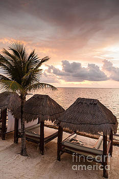 Riviera Maya by Juan  Silva