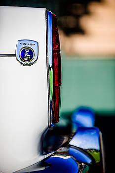 Jill Reger - 1965 Sunbeam Tiger Taillight Emblem -1009c