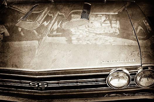 1967 Chevrolet Chevelle Super Sport Grille Emblem -0043s by Jill Reger