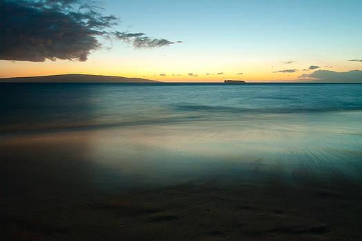 Dark Sunset, Maui, Hawaii by Preston Broadfoot