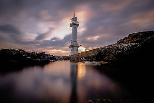Lighthouse by Okan YILMAZ