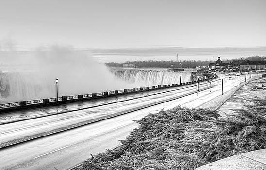 Niagara Falls by Nick Mares