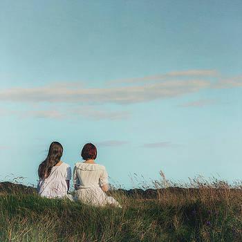 Sisters by Joana Kruse