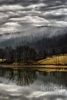 Stonewall Jackson Lake by Thomas R Fletcher