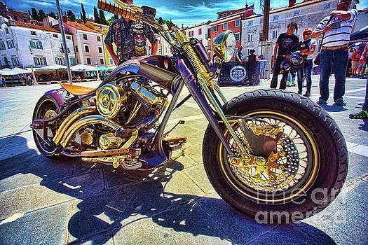 2016 Custom Harley Winner by Graham Hawcroft pixsellpix