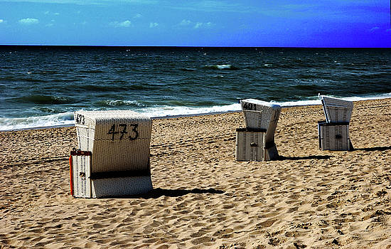 Hannes Cmarits - 3 beach chairs