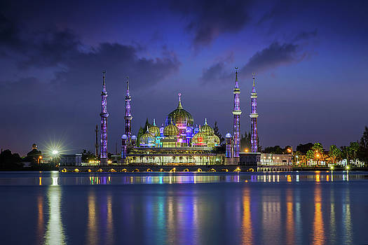 Crystal mosque by Anek Suwannaphoom