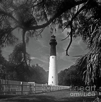 Skip Willits - HUNTING ISLAND LIGHTHOUSE