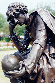 Sculpture of Hamlet by Carl Purcell