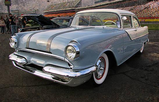 '55 Pontiac by Victor Montgomery