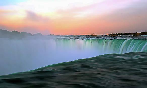 Niagara Falls by Irfan Gillani