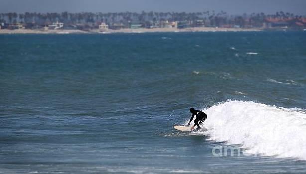 Surfer by Henrik Lehnerer